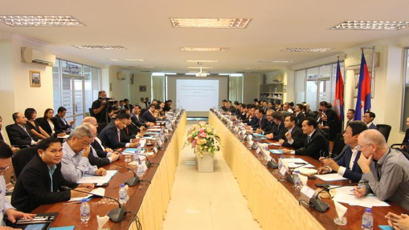 """EuroCham Chairman and 20 other Business Associations attended the meeting on the """"Prakas on Payment of Seniority Indemnity"""""""