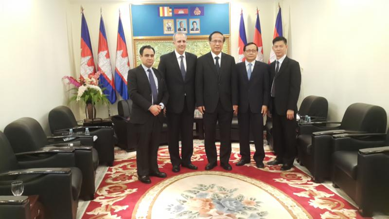 Meeting with HE Pan Sorasak - Minister of Commerce